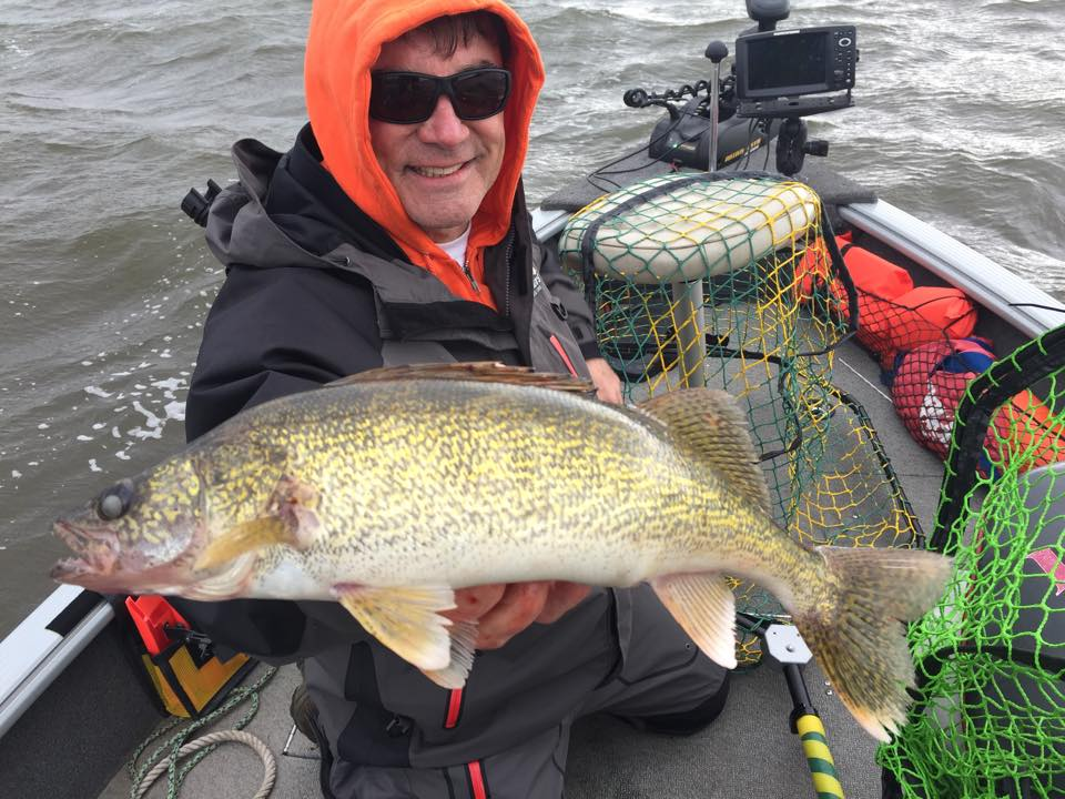 Lake winnebago fishing report plus lake butte des mortes for Wolf lake fishing